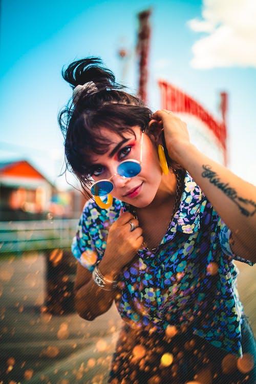 享受, 休閒, 刺青, 墨鏡 的 免费素材照片