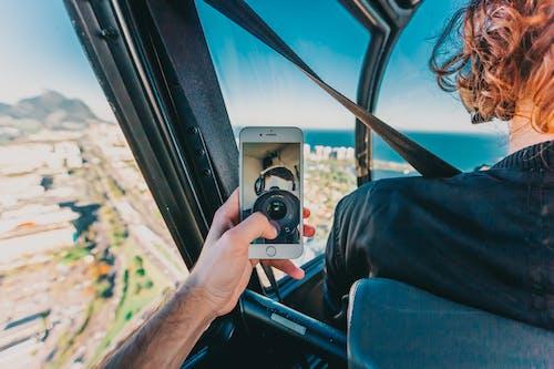 akıllı telefon, boş zaman, el, Gezi içeren Ücretsiz stok fotoğraf