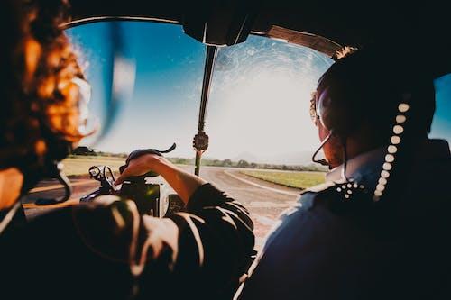 Ilmainen kuvapankkikuva tunnisteilla ajoneuvo, helikopteri, ihmiset, ilmailu