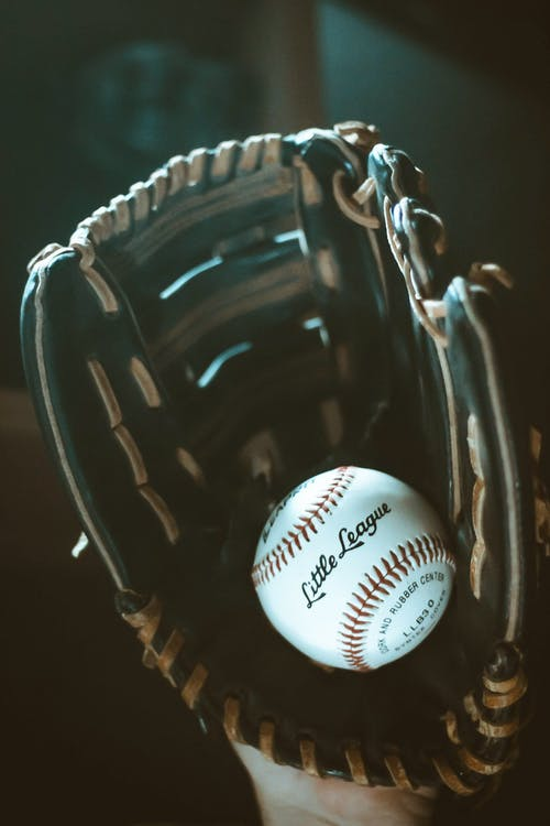aksiyon, beyzbol, beyzbol eldiveni, deri içeren Ücretsiz stok fotoğraf