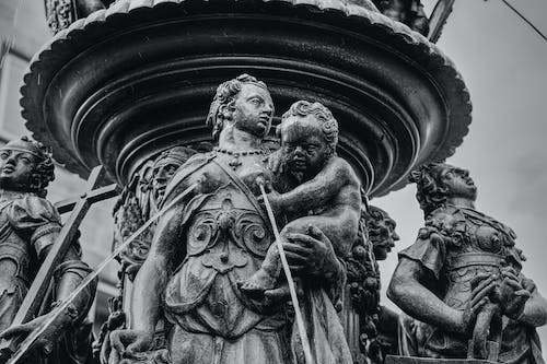Free stock photo of fountain, mother and child, sculpture