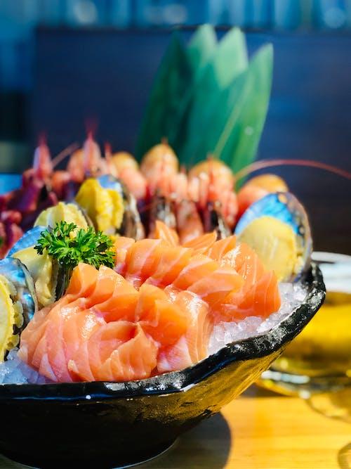 Foto profissional grátis de alimento, almoço, bruto, camarões