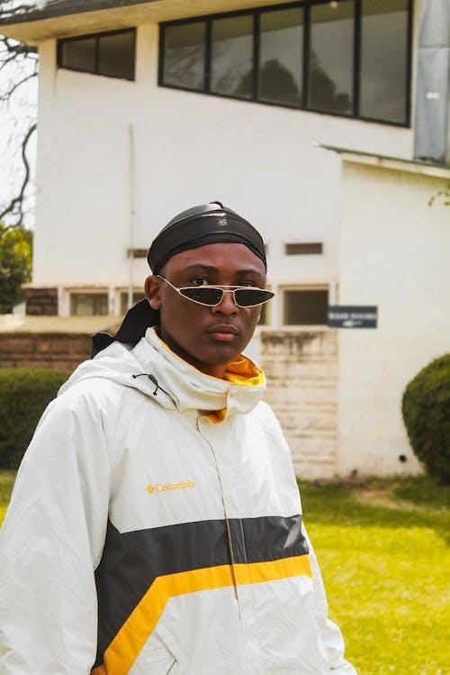 Δωρεάν στοκ φωτογραφιών με portraitswithapop, Αφροαμερικανός, αφροαμερικανός άντρας, γυαλιά