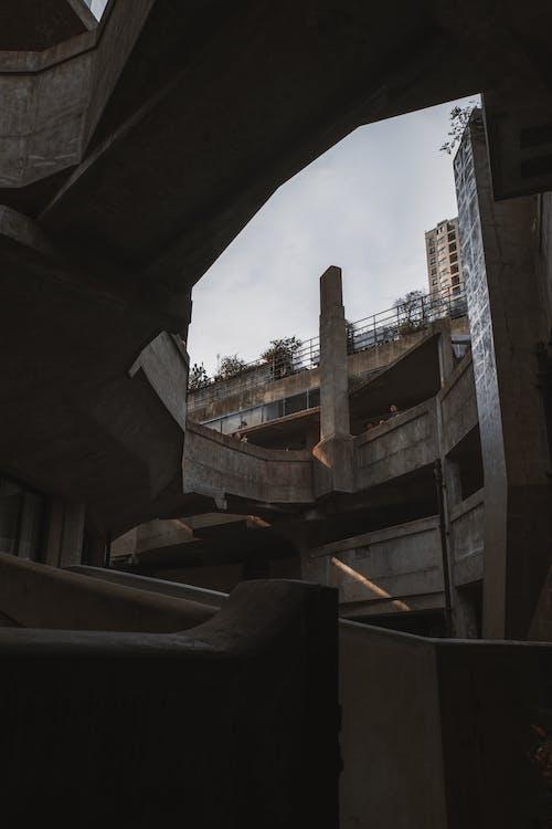 Foto stok gratis Arsitektur, bangunan, bangunan tua, beton