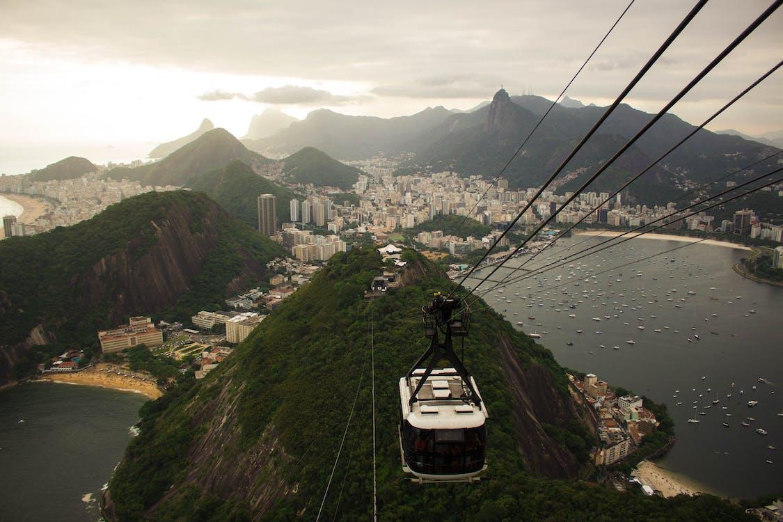bergen, Brazilië, gebouwen