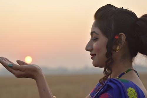 Безкоштовне стокове фото на тему «індійська дівчина, Індія, жінка-модель, темношкірі моделі»