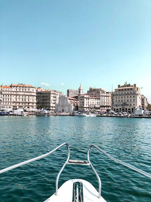 Immagine gratuita di acqua, architettura, barca, edifici
