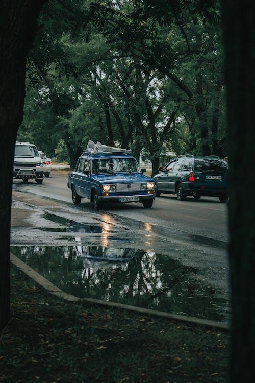 Fotobanka sbezplatnými fotkami na tému asfalt, autá, automobily, cesta