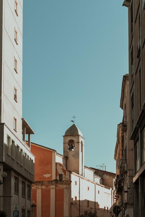 Darmowe zdjęcie z galerii z architektura, błękitne niebo, budynki, dom