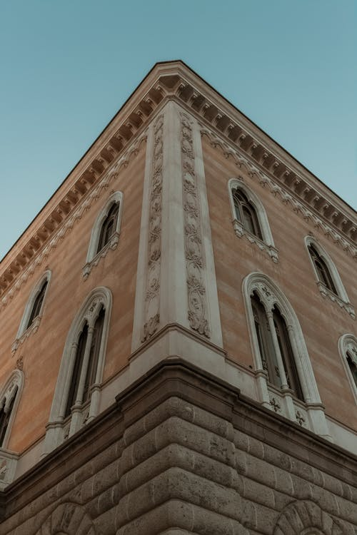 ローアングルショット, 建物の外観, 建築, 晴天の無料の写真素材