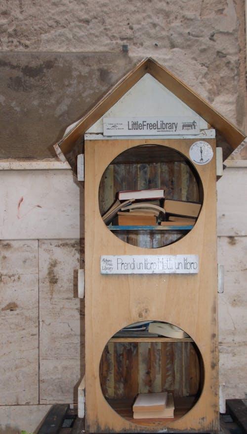 Gratis stockfoto met bibliotheek, gratis bibliotheek, mini bibliotheek, minibieb