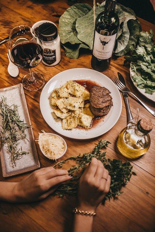 Fotos de stock gratuitas de beber, bebida, bifurcación, bistec