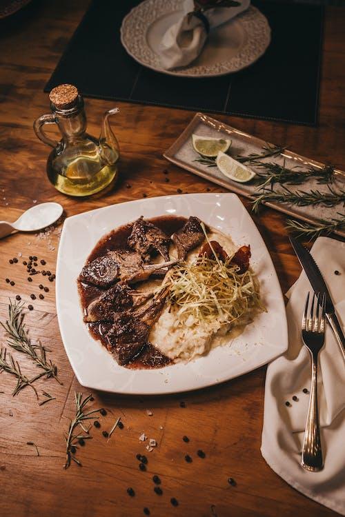 Fotos de stock gratuitas de almuerzo, bifurcación, carne, cena