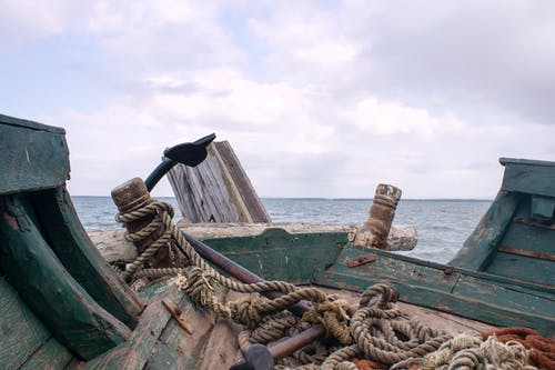 Fotobanka sbezplatnými fotkami na tému drevený čln, hlboké more, loď, lodné lano
