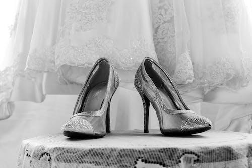 和礼服, 高跟鞋 的 免费素材照片