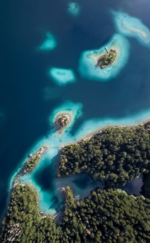 Bird's-eye View of Green Islands