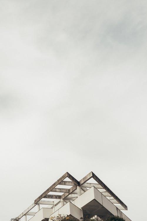 Gratis lagerfoto af arkitektur, beton, byggeri, bygning