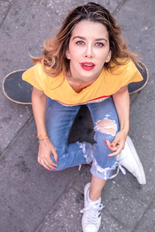 Fotos de stock gratuitas de bonita, buscando, Moda, morena