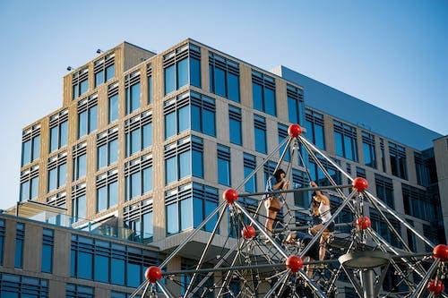 Kostnadsfri bild av arkitektur, blå himmel, byggnad, fönster