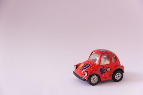 玩具, 玩具车, 白色, 紅色 的 免费素材图片