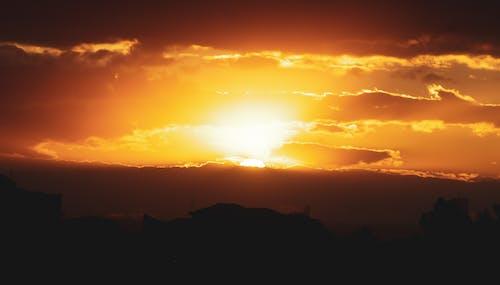 日落, 落日的天空, 金色的太陽 的 免费素材照片