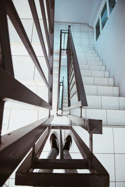 Kostnadsfri bild av arkitektonisk design, arkitektur, betong trappor, byggnad