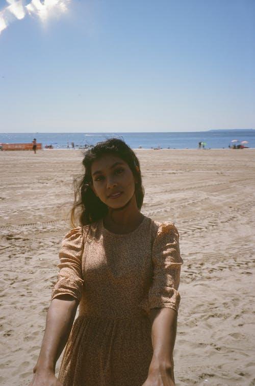 Ingyenes stockfotó álló kép, homok, kikapcsolódás, napfény témában