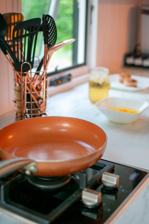 Foto stok gratis alat makan, kompor, panci, peralatan dapur