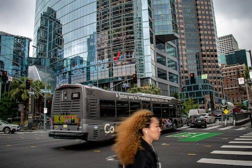公共交通, 城市, 市中心, 建造 的 免费素材照片