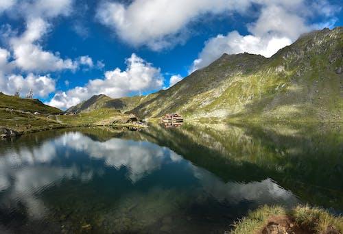 Kostnadsfri bild av #balealake, #lakeview #mountains #romaniatravel #views #clouds