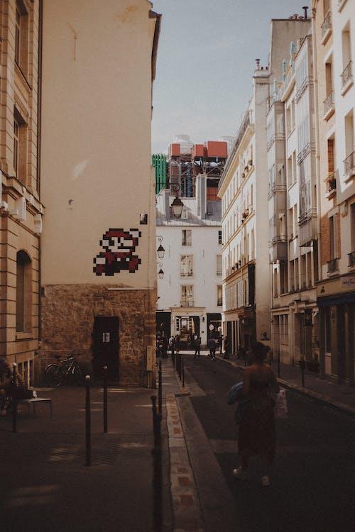 Δωρεάν στοκ φωτογραφιών με Άνθρωποι, αρχιτεκτονική, αστικός, γυναίκα