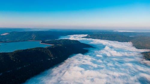 Бесплатное стоковое фото с аэрофотосъемка, вода, высокий, гора