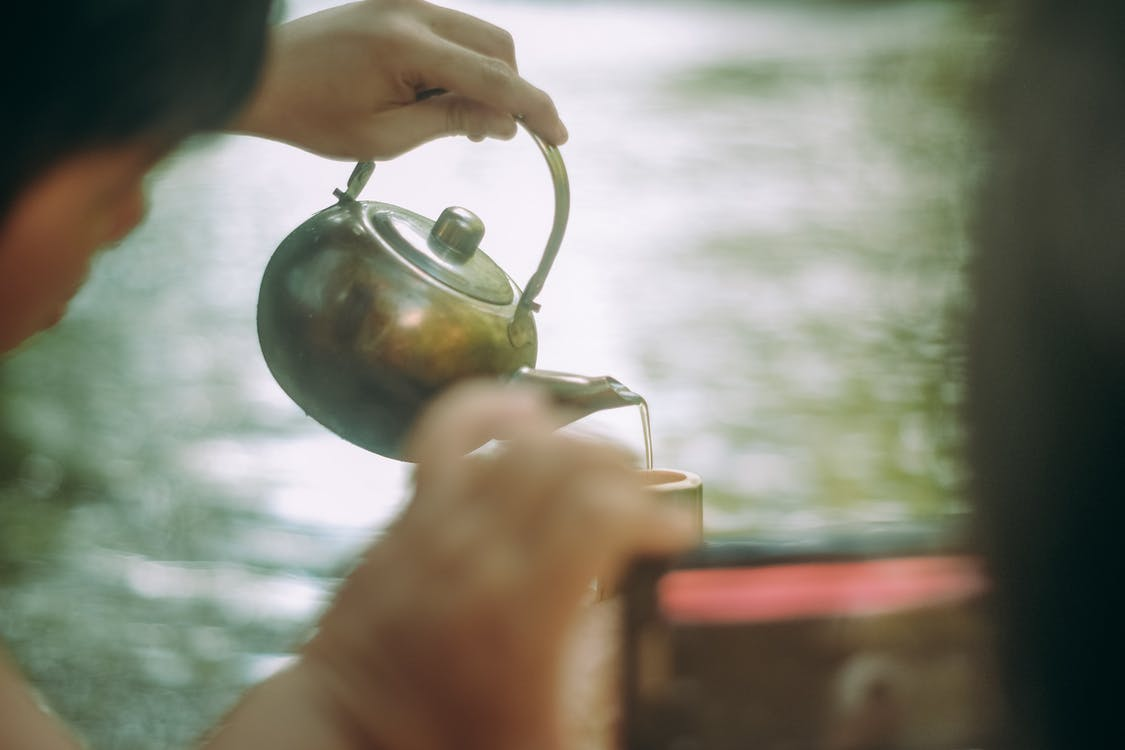 Free stock photo of pouring, tea cup, tea pot