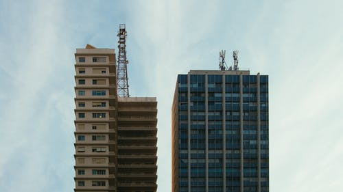 açık hava, binalar, çağdaş, cam eşyalar içeren Ücretsiz stok fotoğraf
