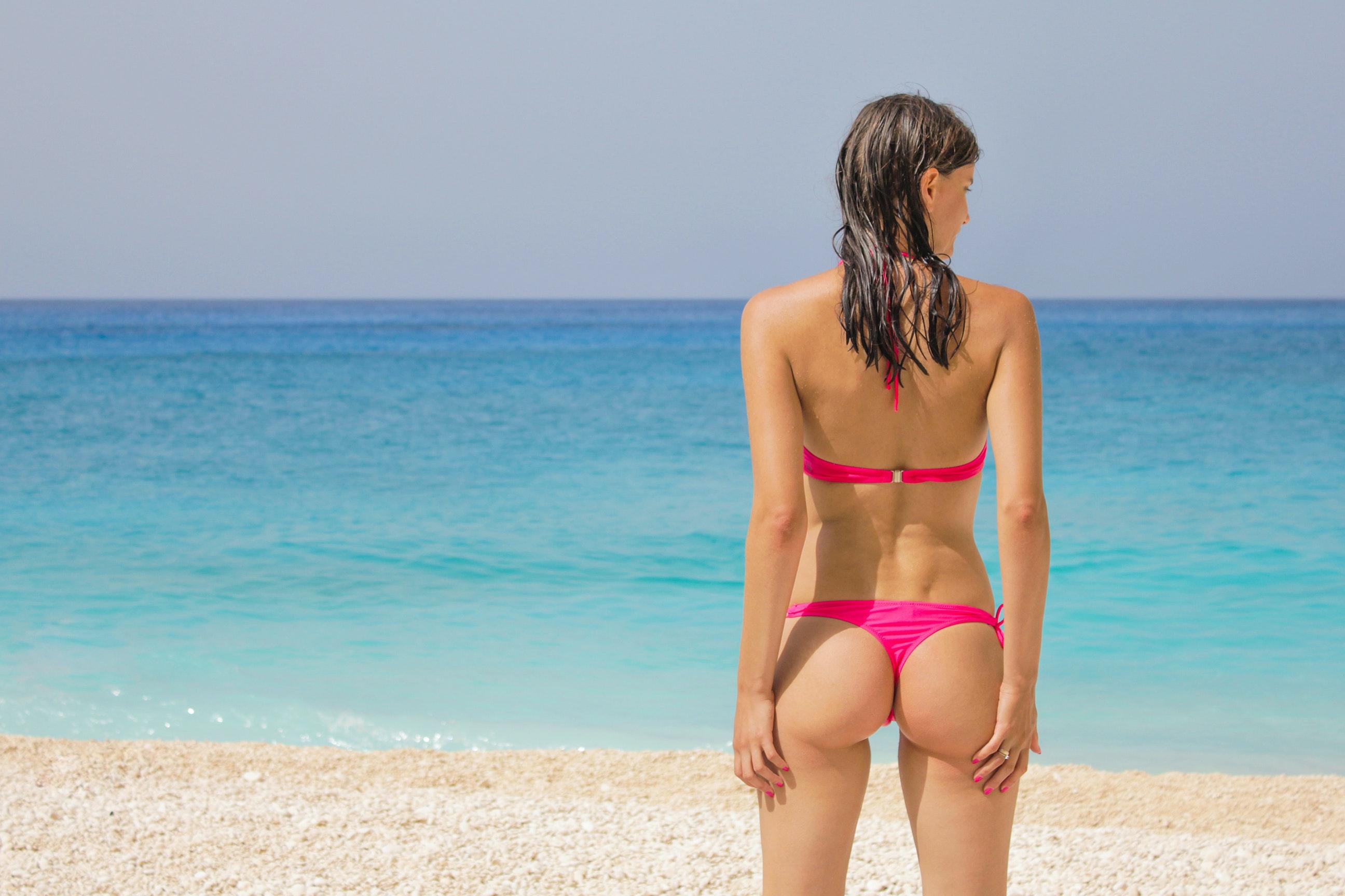 Best bikini ass pics