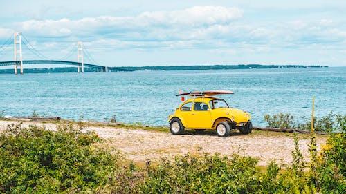 Безкоштовне стокове фото на тему «автомобіль, бездоріжжя, берег моря, відпустка»