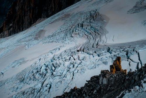 Kostenloses Stock Foto zu abenteuer, berg, berge, berghänge
