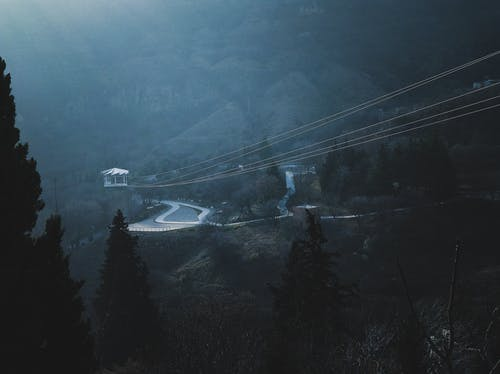 Δωρεάν στοκ φωτογραφιών με αρχιτεκτονική, βουνό, γραφικός, δέντρα
