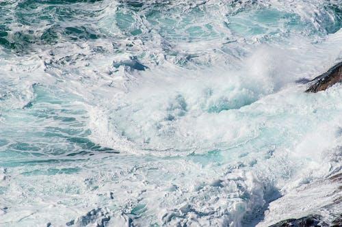 açık hava, dalgalar, deniz, Deniz köpüğü içeren Ücretsiz stok fotoğraf