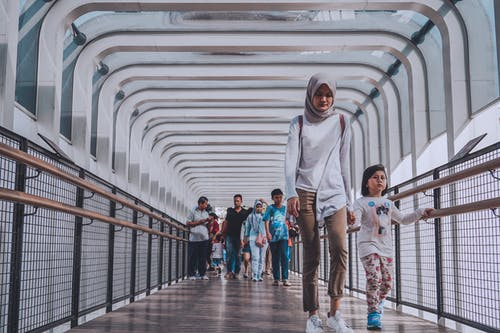Foto profissional grátis de cidade, fotografia de rua, fuga da cidade, humano