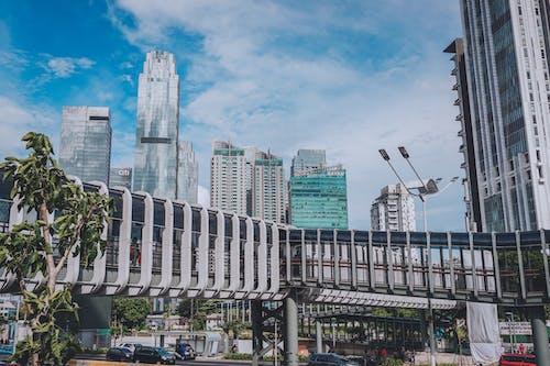 Foto profissional grátis de área metropolitana, céu da cidade, cidade, construção