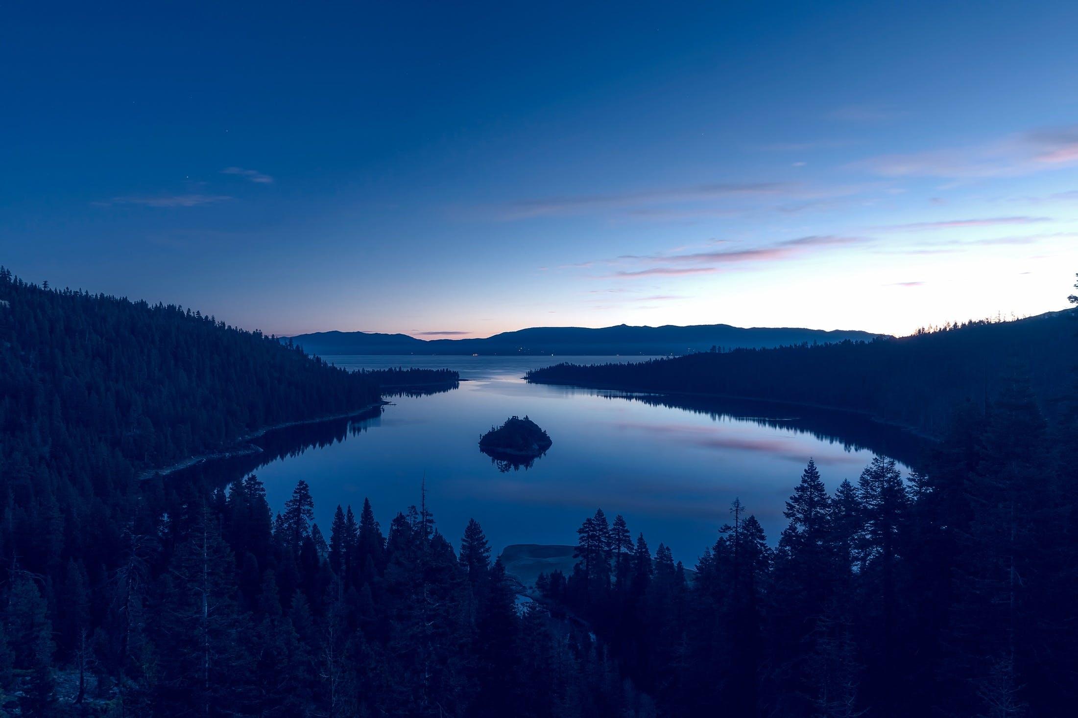 Безкоштовне стокове фото на тему «блакитне небо, відображення, вода, вродлива»