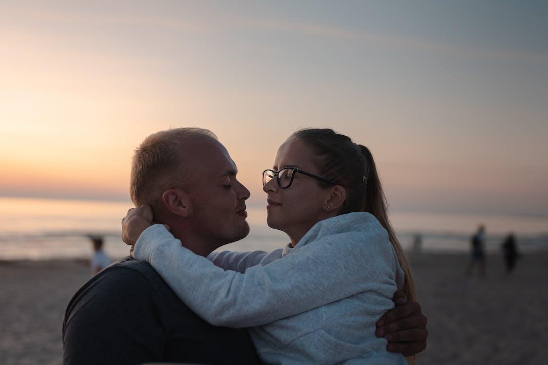 beach, couple, kiss