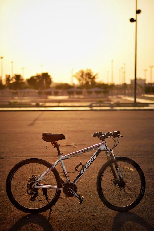 Imagine de stoc gratuită din apus, bicicletă, nici o persoana, răsărit de soare