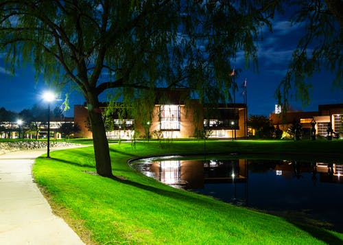 Imagine de stoc gratuită din campus, clădire, contrast, închis la culoare