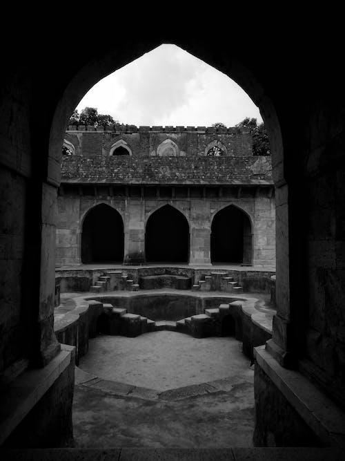 Foto d'estoc gratuïta de antic, arc, arquitectura, blanc i negre