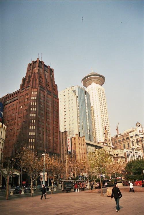 Darmowe zdjęcie z galerii z architektura, budynki, droga, fasada