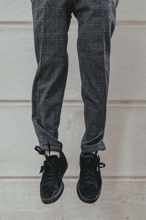 Immagine gratuita di appeso, calzature, mutande, piedi
