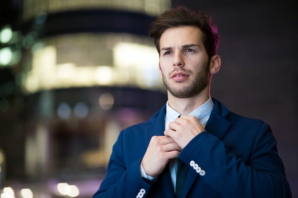 Man wearing blue suit   Photo: Pexels
