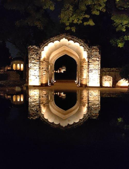 Immagine gratuita di acqua, architettura, arco, bellissimo